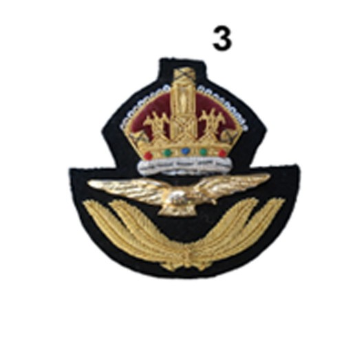 ROYAL AIR FORCE OFFICIER'S WIRE CAP BADGE