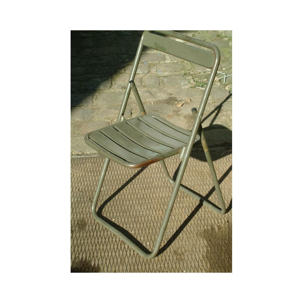 lots de chaise et de tabouret en m tal et bois. Black Bedroom Furniture Sets. Home Design Ideas